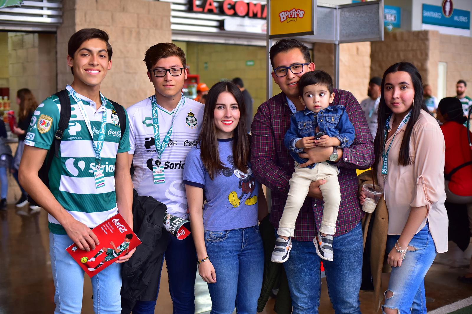 Raúl, Diego, Génesis, Óscar, Nessim y Angie.