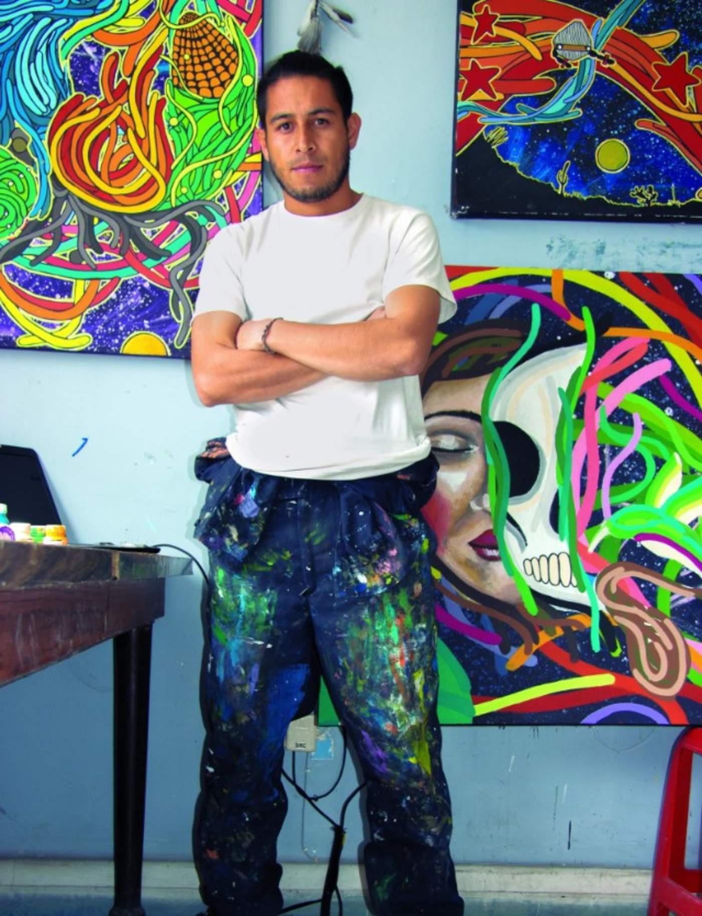 Carácter. Las obras de Paulo Galván están llenas de color y formas que invitan a la reflexión de diversas circunstancias de la vida. (EL SIGLO DE TORREÓN/ Carlos Campos)