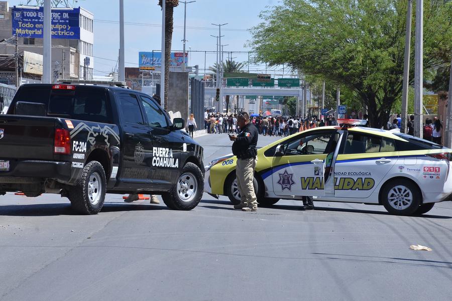 Corporaciones como Fuerza Coahuila y elementos de Tránsito y Vialidad resguardaron la movilización que partió de la FCPyS.