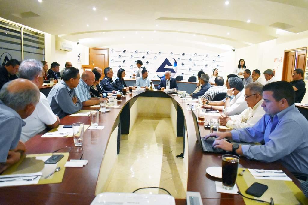 Directivos de la Cámara de Comercio convocaron al alcalde Jorge Zermeño. Trataron