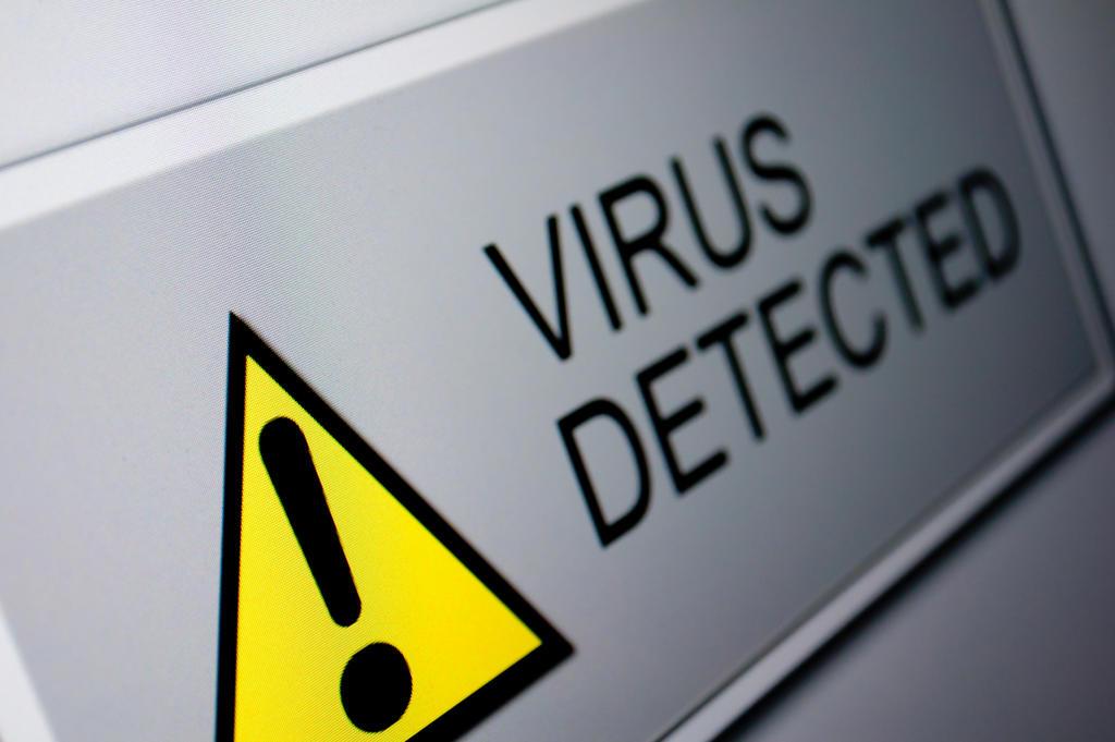 Ahora, los ciberdelincuentes en lugar de emplear ataques técnicamente complejos trabajan para ganarse la confianza del usuario y engañarle. (ARCHIVO)