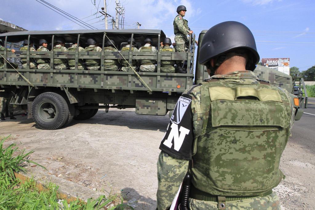"""El jefe del Ejecutivo federal rechazó que el despliegue de más de 20 mil elementos de la Guardia Nacional en ambas fronteras del país represente la colocación un """"muro"""". (ARCHIVO)"""