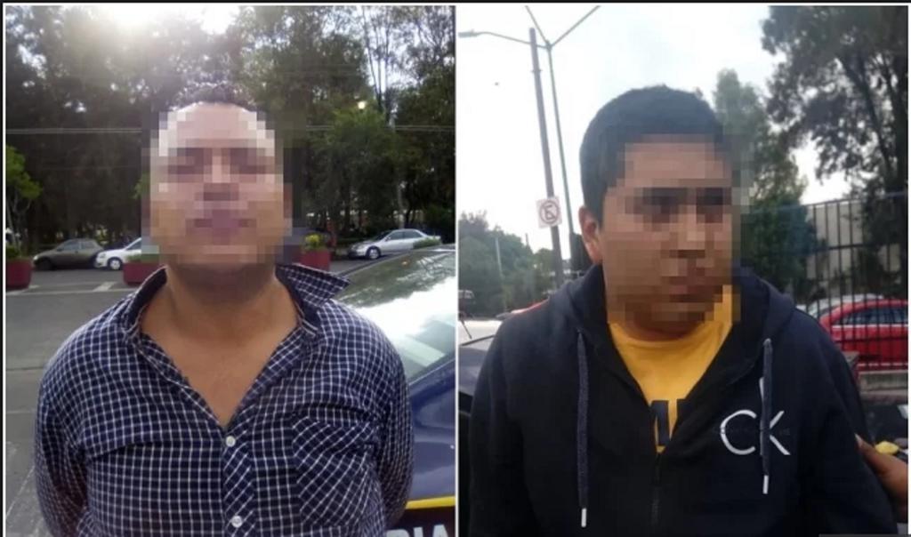 Agentes señalaron que los detenidos tenían en su poder cosas que pertenecen al productor, además de droga en el interior de los automóviles.