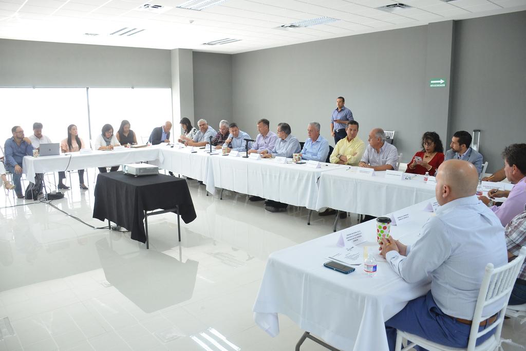 Será hasta la primera semana de agosto cuando se puedan definir las obras que integrarán el catálogo de proyectos para los recursos del Impuesto Sobre la Nómina (ISN) en la región. (FERNANDO COMPEÁN)