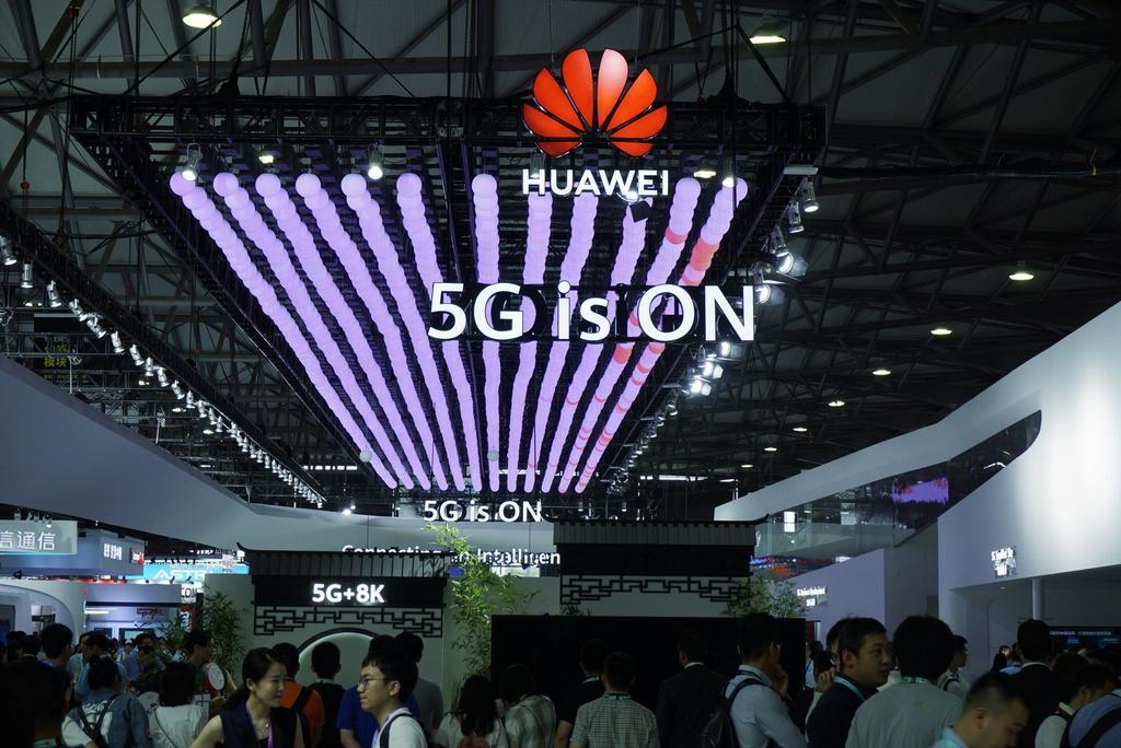 Luego de que Huawei diera a conocer hace unos meses que preparaba su propio sistema operativo, el cual fue registrado en varios países, el día de ayer una directiva de la marca afirmó que sus teléfonos seguirán trabajando con Android. (ARCHIVO)