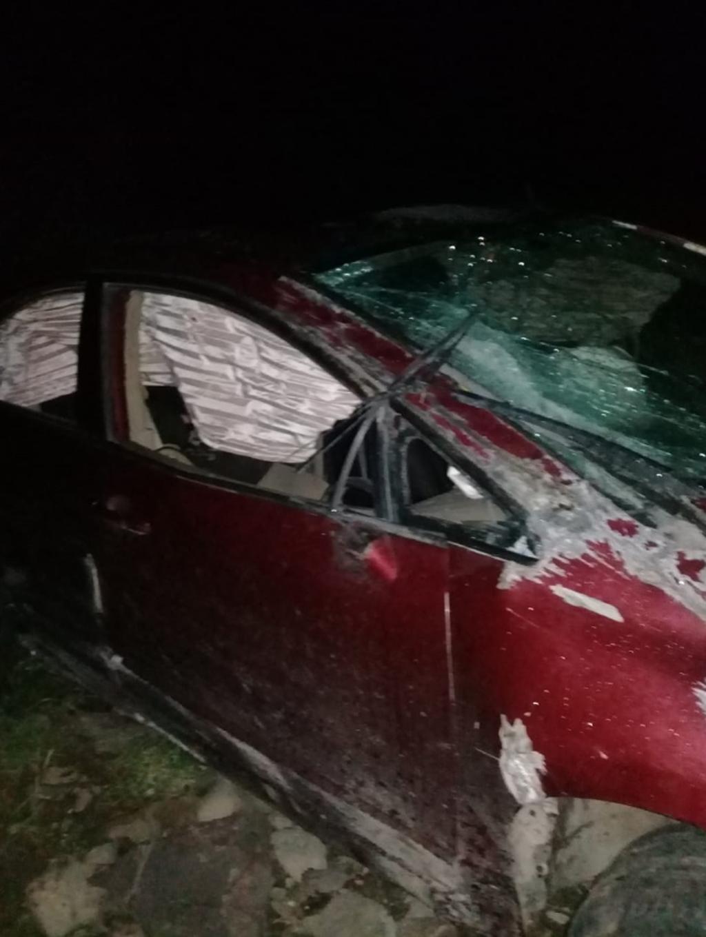 Personal de la Cruz Roja acudió al lugar, pero la conductora ya no contaba con signos vitales.