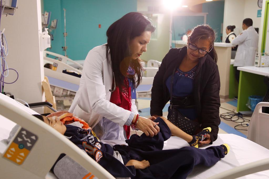 En México se debe establecer un sistema de cuidados paliativos desde la medicina general, afirmó Asa Christina Laurell, subsecretaría de Integración y Desarrollo del Sector Salud, quien afirmó que con ello se podrán atender las necesidades de la población que vive con alguna discapacidad, dolor crónico o enfermedad terminal. (ARCHIVO)