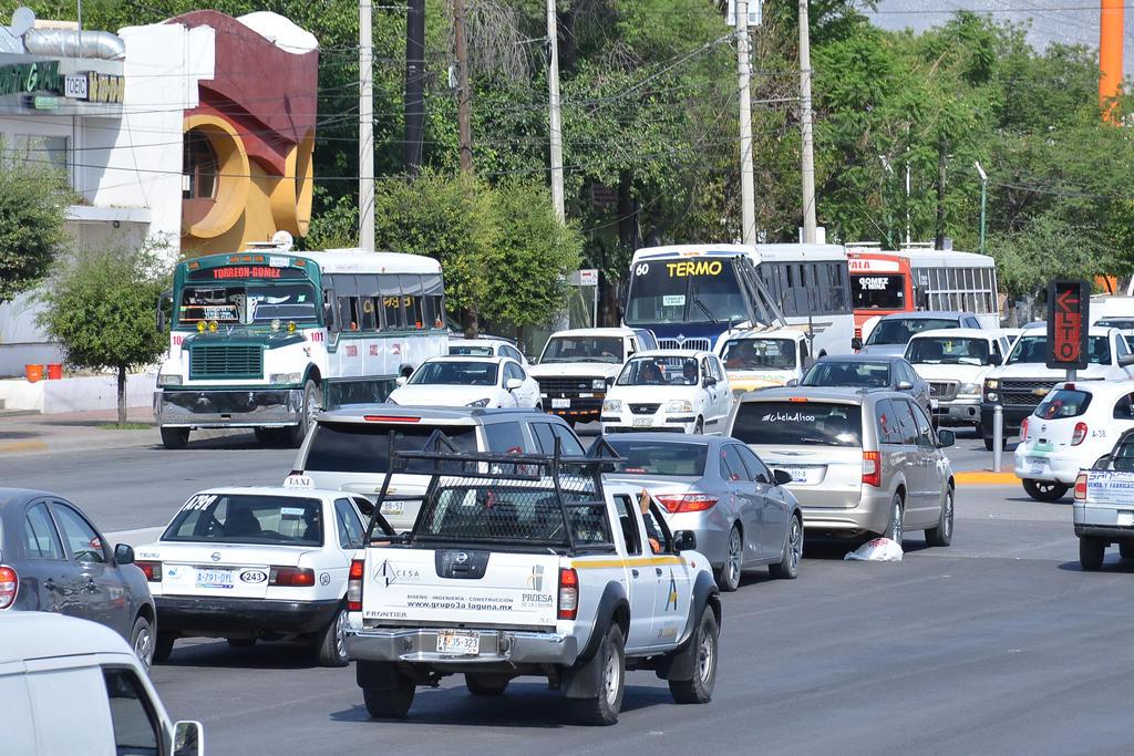 Comenzaron a surgir diferencias en cuanto a políticas públicas en el tema de la venta de Alcohol y el Metrobús. (ARCHIVO)
