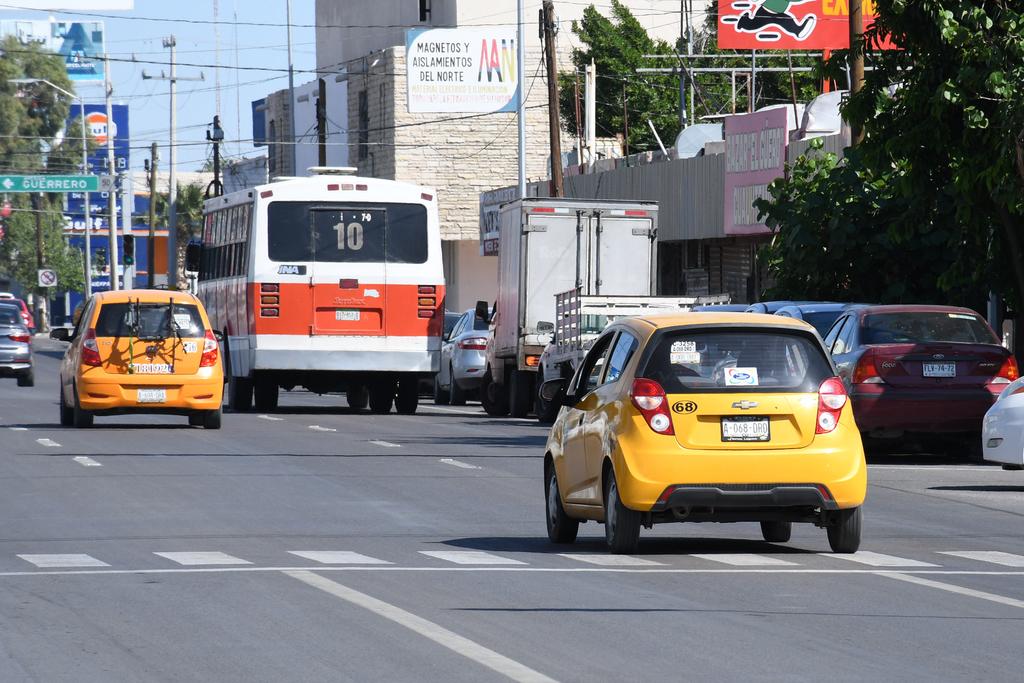 En Torreón hay actualmente 4 mil 500 taxis autorizados. Más 600 vehículos de la Ruta Centro. (EL SIGLO DE TORREÓN)