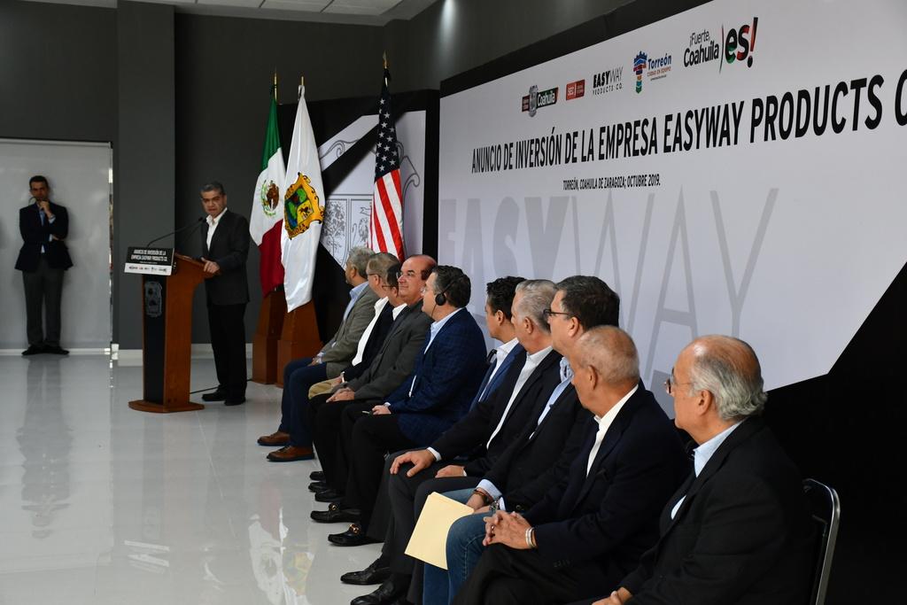 El gobernador de Coahuila, Miguel Riquelme, presentó la inversión en el Centro de Convenciones de Torreón junto a empresarios de la compañía estadounidense y representantes del Municipio.