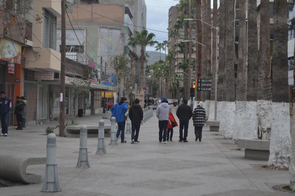 La entrada del frente frío número 6 está provocando un clima templado por la mañana y caluroso por la tarde. (ARCHIVO)