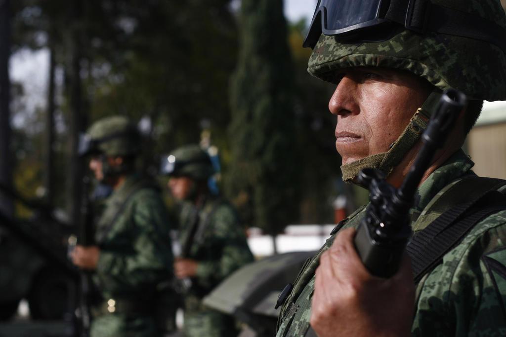 Este 2019, el Gobierno federal superó los despliegues de soldados que Felipe Calderón y Enrique Peña implementaron en tareas de seguridad pública y combate al narco, según señala Reforma. (ARCHIVO)
