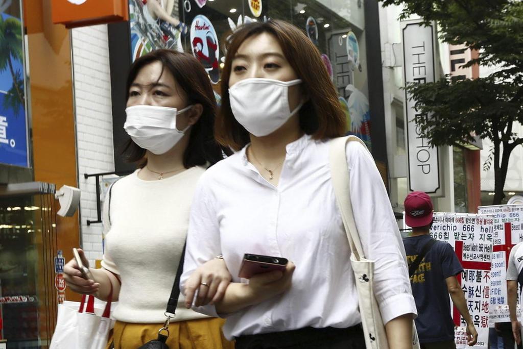 Japón confirmó el primer caso de neumonía vírica causada por un nuevo tipo de coronavirus similar al síndrome agudo respiratorio grave. (ARCHIVO)