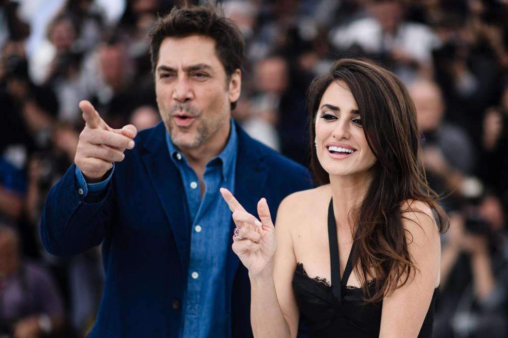Ayudan. La pareja formada por los actores Penélope Cruz y Javier Bardem hacen donación a España.