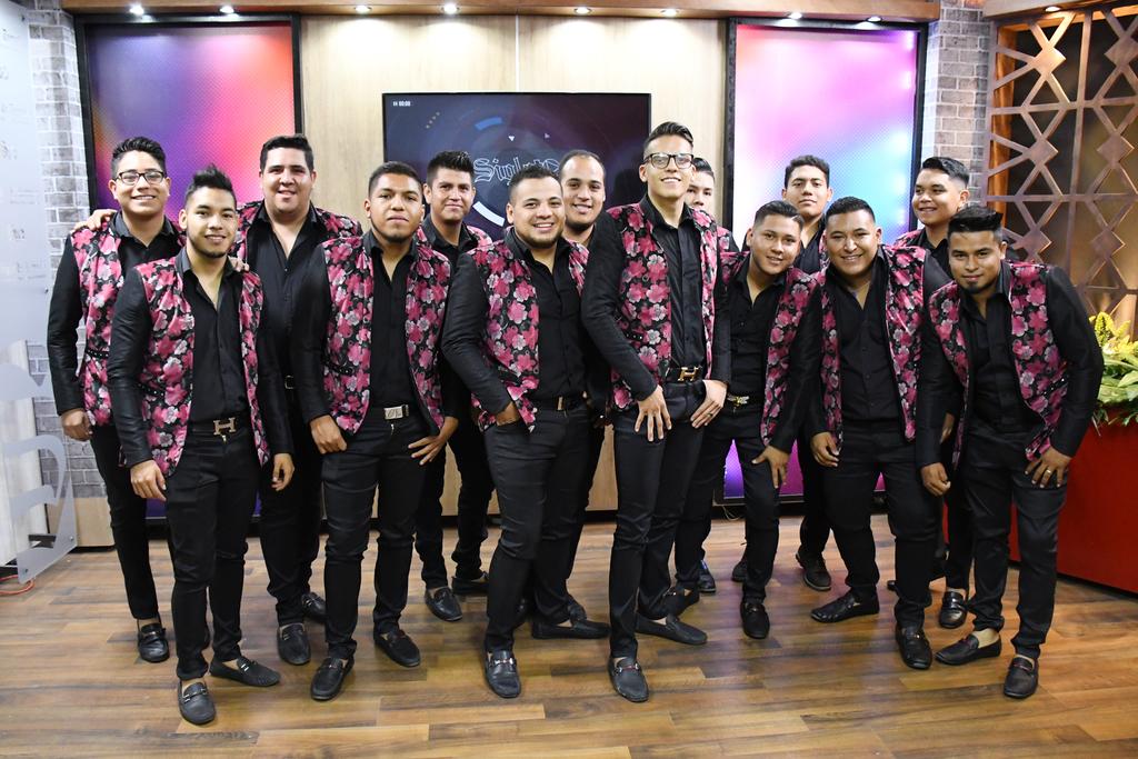 Música. Para celebrar, los músicos ofrecerán hoy a las 6:00 de la tarde un show acústico en vivo a través de la página de Facebook de El Siglo de Torreón. (EL SIGLO DE TORREÓN)