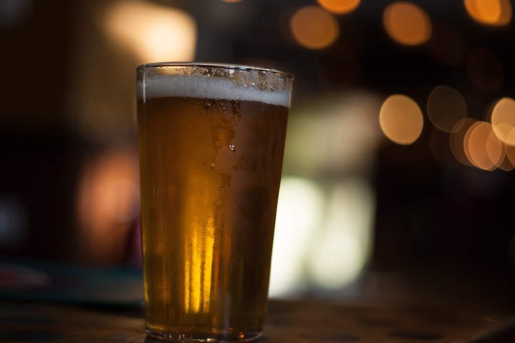 El maestro cervecero de Concordia José Aguilar Méndez nos explicó el proceso para la preparación de cerveza artesanal, el cual está constituido por 6 etapas que tienen una duración de casi 30 días. (ARCHIVO)