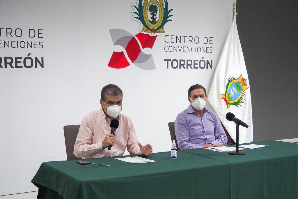 Tras la reunión interestatal entre Miguel Riquelme (Coahuila) y José Rosas Aispuro (Durango) se decidió homologar criterios para atender la pandemia de COVID-19, enfermedad causada por el nuevo coronavirus SARS-CoV-2, en México. (ERICK SOTOMAYOR)