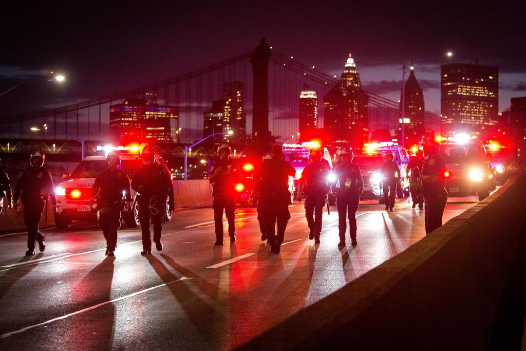 Amplía el toque de queda hasta este domingo debido a los disturbios y saqueos que han seguido a las protestas pacíficas por la muerte del afroamericano George Floyd. (EFE)