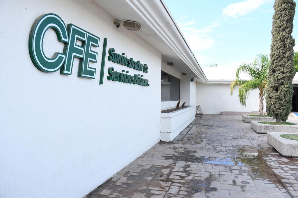 CFE reconoció que sus actividades la exponen principalmente a riesgos financieros de cambios en los tipos de cambio y en tasas de interés. (ARCHIVO)
