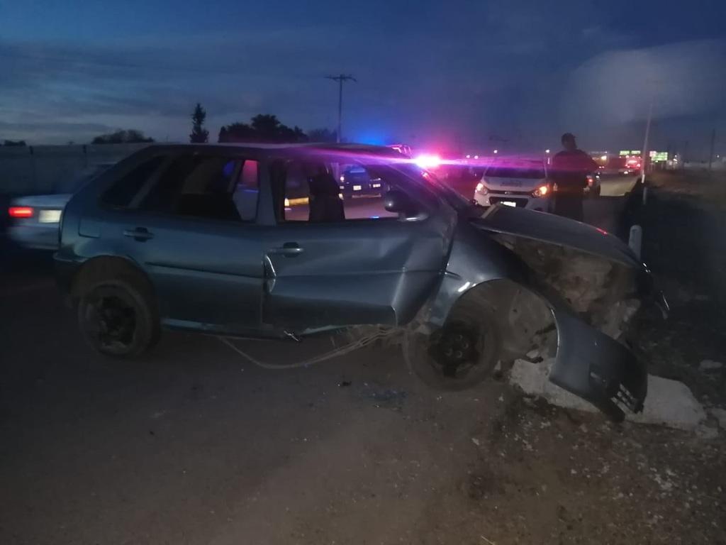El menor lesionado viajaba en un vehículo sedán de color gris cuando ocurrió el accidente.