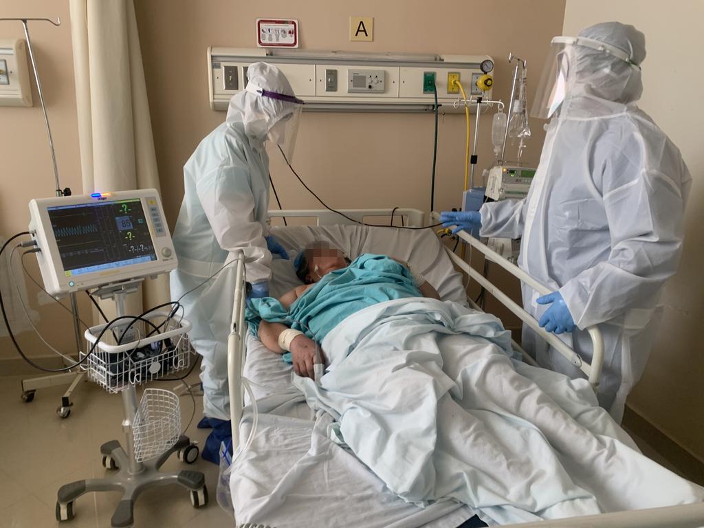 El Hospital General de Torreón ha llegado a tener hasta 39 camas de COVID ocupadas. Actualmente tienen 37 pacientes internados por COVID-19 y todo el personal que labora aquí coinciden en que el virus es algo muy real.