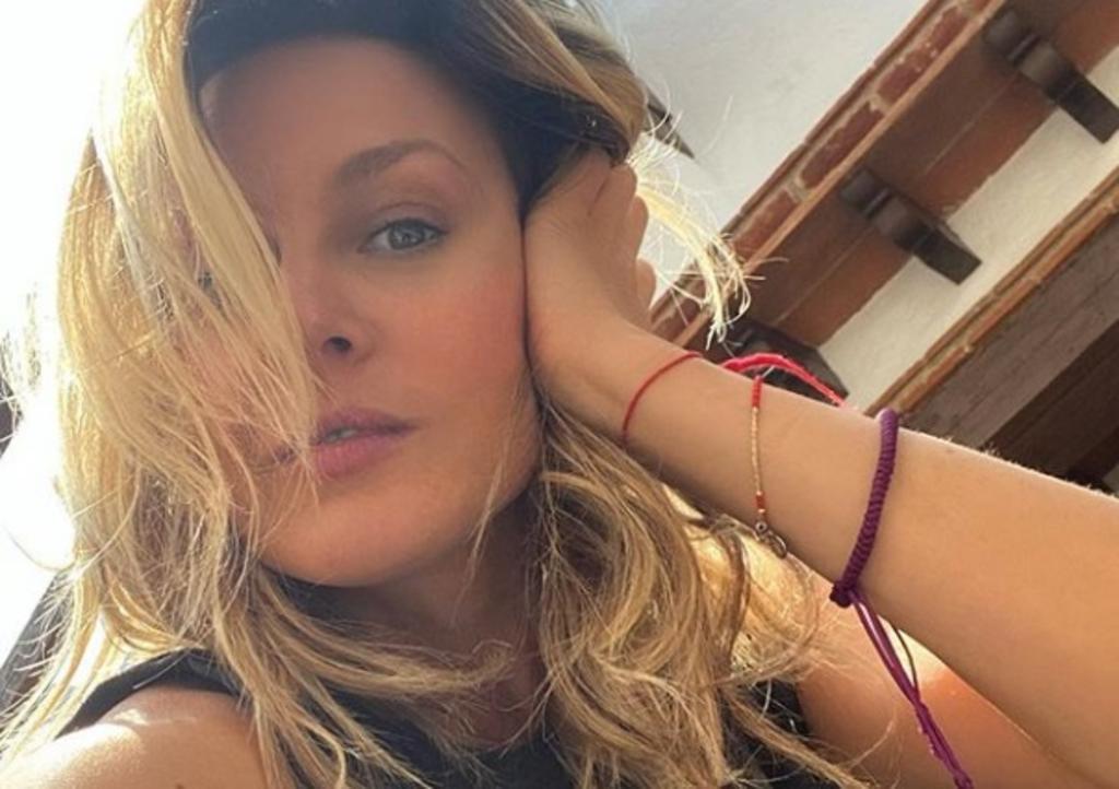 La fotografía de Fey que fue compartida durante el día de ayer en Instagram, ha superado los 99 mil 'me gusta' (@FEY)