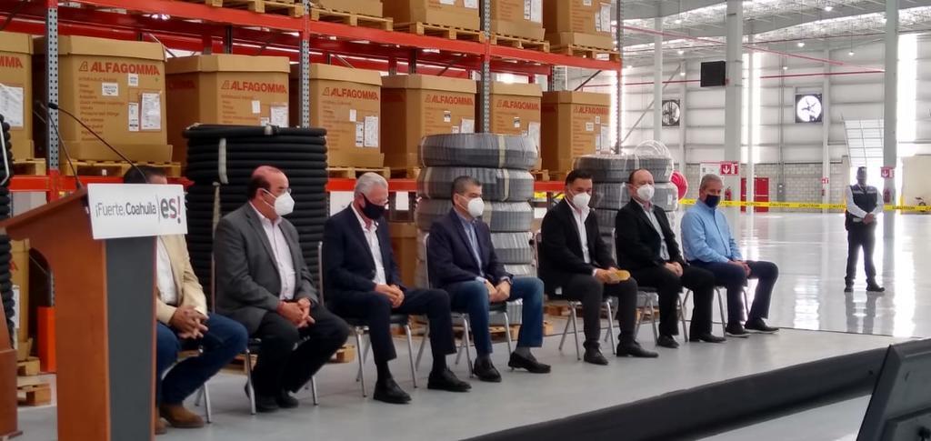 En el evento estuvieron presentes el gobernador, Miguel Ángel Riquelme, el alcalde, Jorge Zermeño, empresarios y funcionarios.  (JESÚS GALINDO)