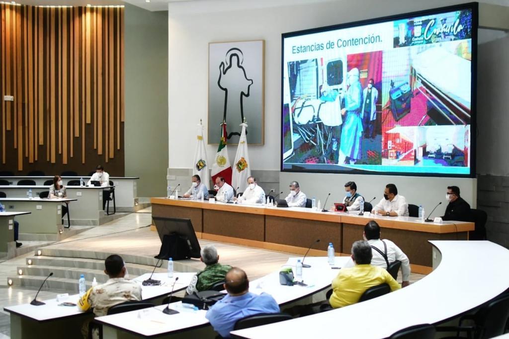 Zoé Robledo Aburto, director general del Instituto Mexicano del Seguro Social (IMSS) estuvo de gira de trabajo por Coahuila y anunció el inicio de un programa para renovar 500 camas de hospital en la entidad, que incluye la totalidad de camas en Piedras Negras; además de anunciar que en octubre inaugurarán el nuevo Hospital General de Zona de Ciudad Acuña. (TWITTER)