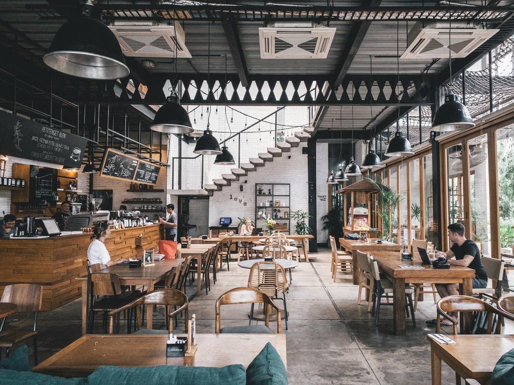 90 mil restaurantes han cerrados sus puertas definitivamente, siendo que la industria genera 2.1 millones de empleos directos y 3.5 millones indirectos, de acuerdo con información proporcionada por la Cámara Nacional de la Industria de Restaurantes y Alimentos Condimentados (Canirac). (Especial)