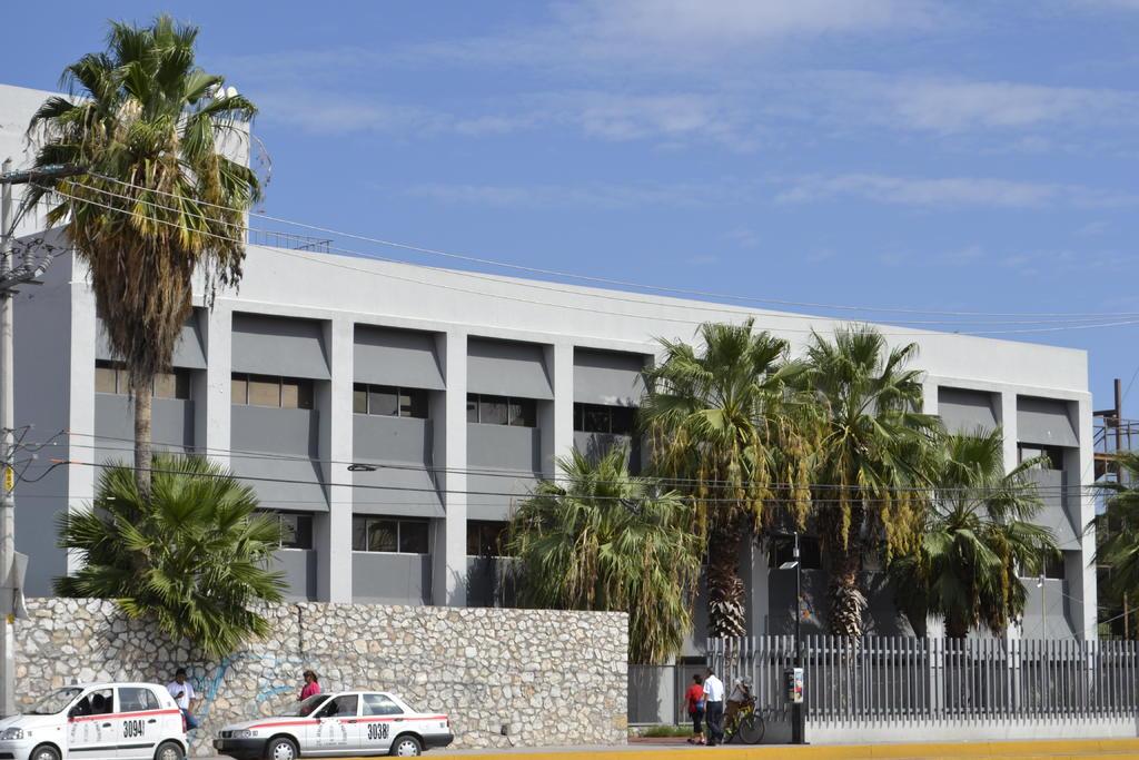 En relación a un video que circuló en redes sociales y fue difundido en medios de comunicación, entre ellos El Siglo de Torreón, que la paciente del ISSSTE de Gómez Palacio no tenía COVID-19 y que sí fue atendida. (ARCHIVO)
