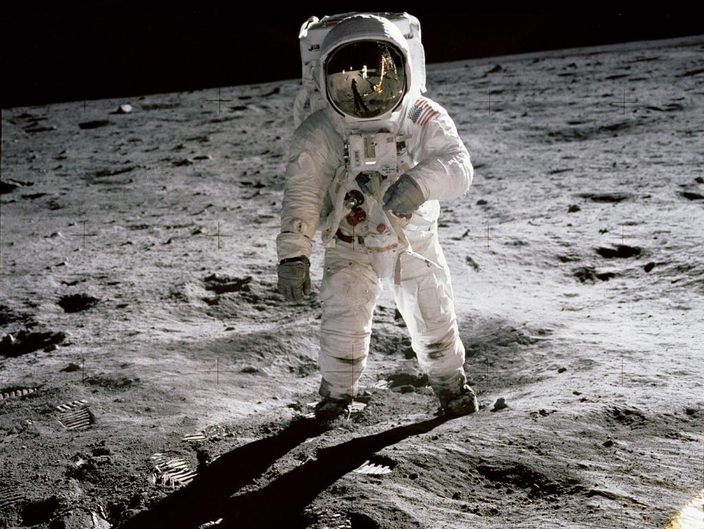 El interés por la exploración de la Luna se remonta a antiguas civilizaciones, pues desde antes de que el ser humano fuera capaz de aterrizar en la superficie del satélite natural, tanto la mitología, como la ciencia ficción y el cine, a través de Plutarco, Dante Alighieri y Georges Méliès, fueron responsables de alentar a los astrónomos y científicos que han trabajado en pro de conocer los enigmas que aguardaba el territorio Lunar. (ARCHIVO)