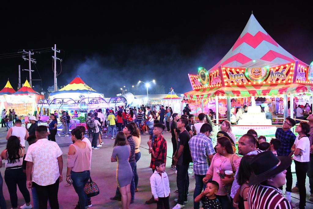 La Feria de Torreón, que pensaba traer grandes artistas para este año y ofrecer nuevas atracciones, emitió hoy un comunicado en el que ha anunciado la cancelación de sus actividades. (ARCHIVO)