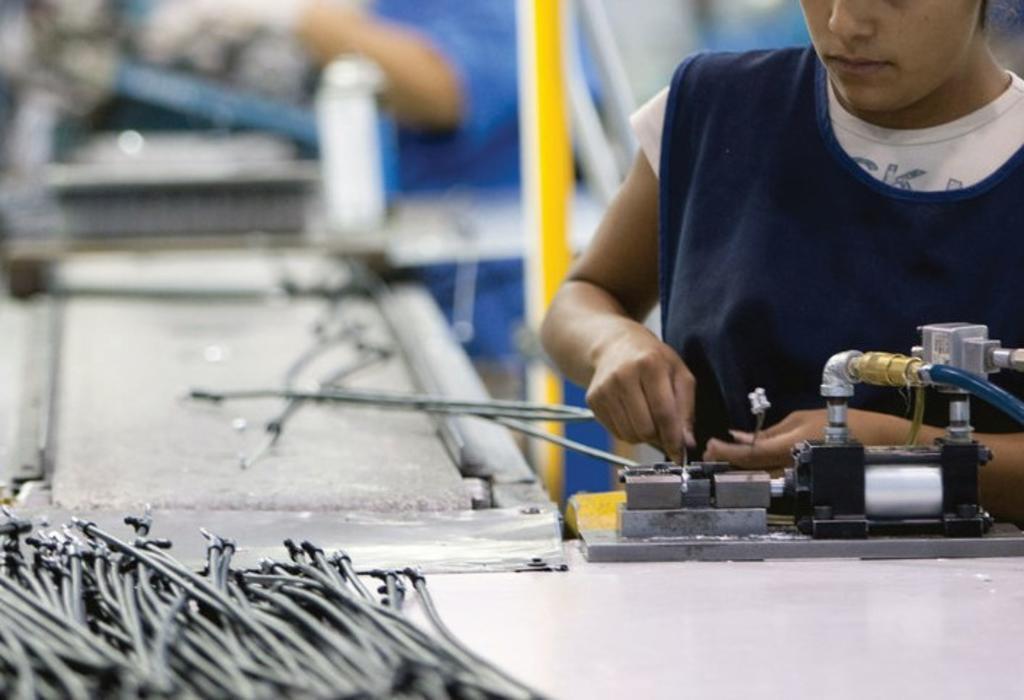 La actividad económica de 17 entidades reportó una caída respecto al periodo inmediato anterior superior al 17.1% registrado por el Producto Interno Bruto del país. (ARCHIVO)