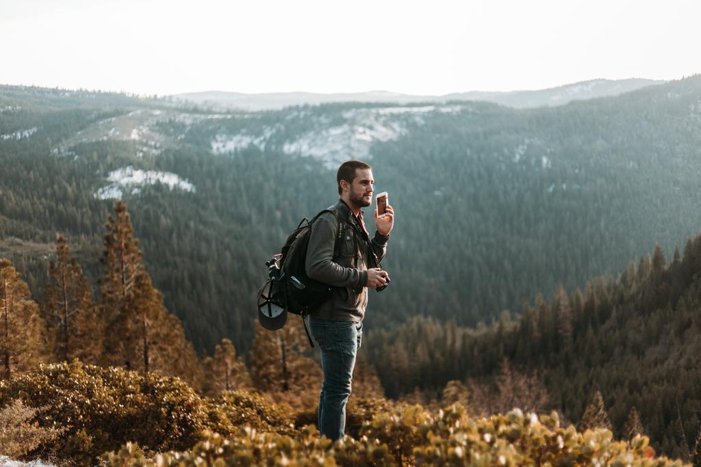 Gracias a las apps es posible realizar tus viajes sin tantas preocupaciones que requieran de un guía turístico presencial para resolverlos.  (ESPECIAL)