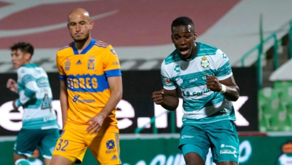 Tras la victoria ante los Tigres de la UANL, Félix Torres compartió la seguridad con la que ha trabajado el equipo luego de hacer una buena pretemporada y asegurar los primeros puntos del torneo en el Estadio Corona.(CLUB SANTOS)