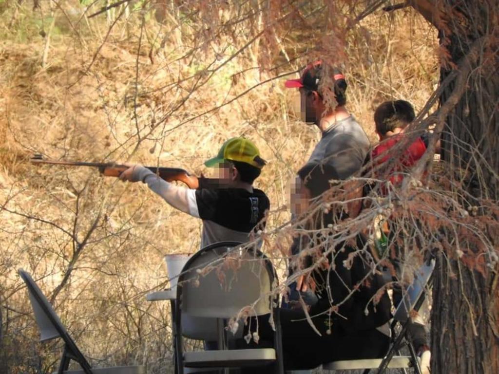 La organización Prodefensa del Nazas denunció la presencia de un grupo de personas, entre ellos menores de edad, con armas disparando contra las aves y los niños contra latas al interior del Cañón de Fernández del municipio de Lerdo. (EL SIGLO DE TORREÓN)