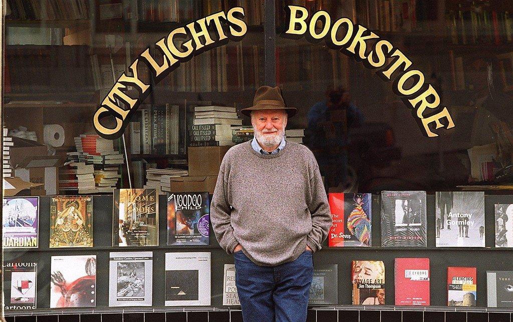 Escritor y editor. La librería City Lights, propiedad de Lawrence Ferlinghetti, fue refugio para los poetas de la Generación Beat.