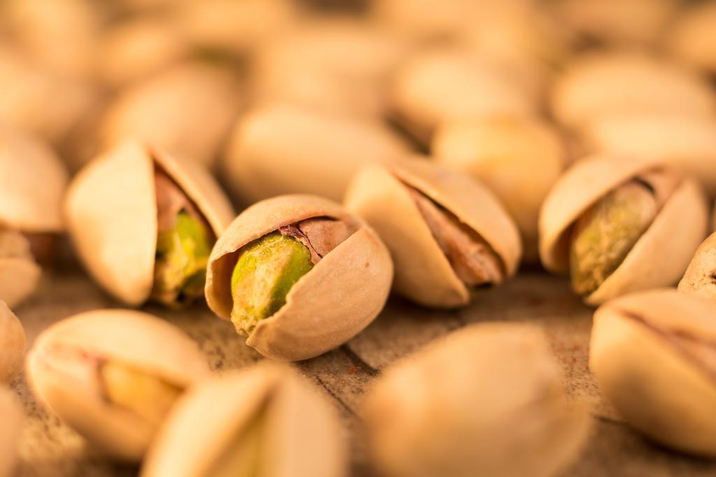 La cantidad recomendada de su consumo no debe superar los 50 pistaches de tamaño mediano con cáscara al día. (ESPECIAL)