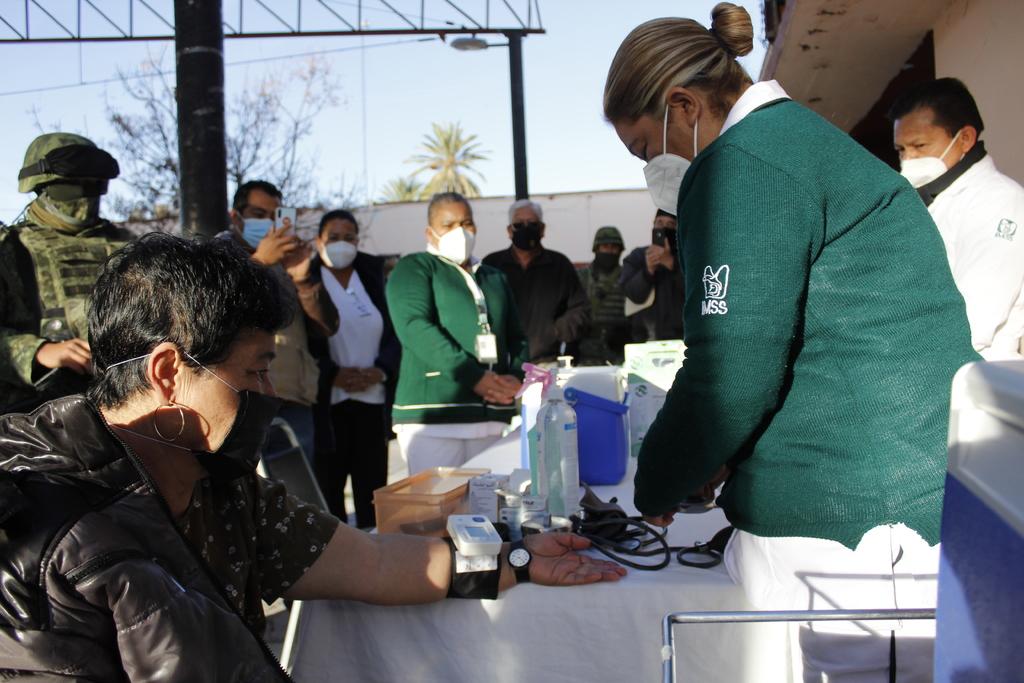 La vacunación a los adultos mayores en La Laguna de Coahuila inició en Viesca, así como en localidades alejadas, como Boquilla de las Perlas, Tanque Aguilereño, La Ventana y Gabino Vázquez. En un primer embarque arribaron 2,860 dosis de AstraZeneca.