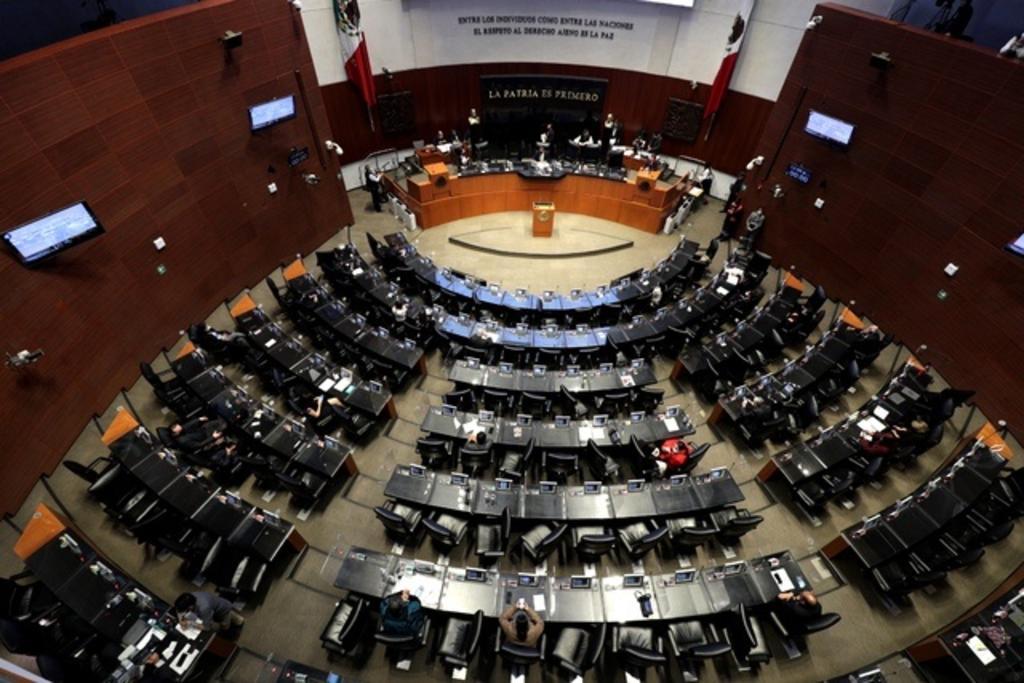 Hoy, en la Gaceta del Senado se publica el proyecto de decreto por el que se reforman y adicionan diversas disposiciones de la Ley de la Industria Eléctrica, con carácter de preferente. (ARCHIVO)