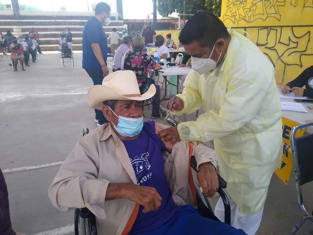 En Matamoros ayer inició la campaña de vacunación contra COVID-19 a adultos mayores y se proyecta aplicar unas 800 dosis.