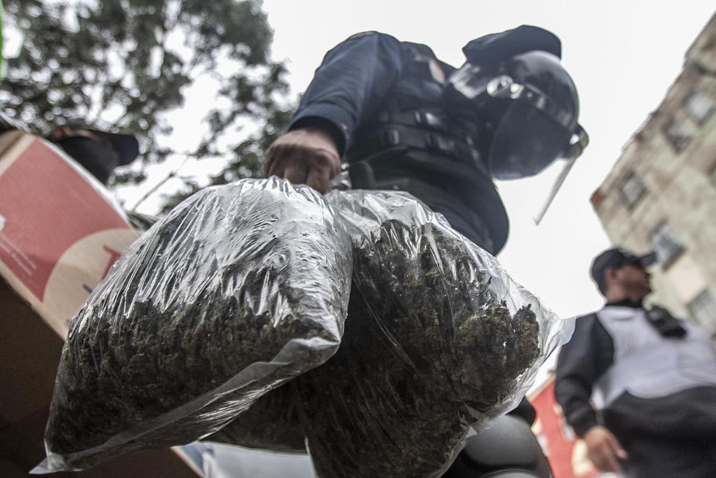 La oficina antidrogas de Estados Unidos (DEA) identificó nueve grupo criminales mexicanos que tienen el mayor impacto del tráfico de drogas en su territorio. (ARCHIVO)