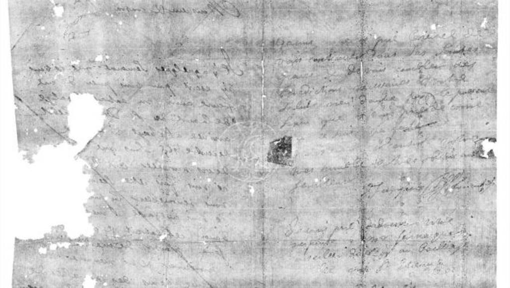 Una carta que lleva más de 300 años cerrada y doblada de una forma especial que, antes de los sobres, se usaba como medida de seguridad contra miradas indiscretas, ha podido ser leída, sin romper el sello, ni dañarla, gracias a un escáner dental y algoritmos computacionales. (ESPECIAL)