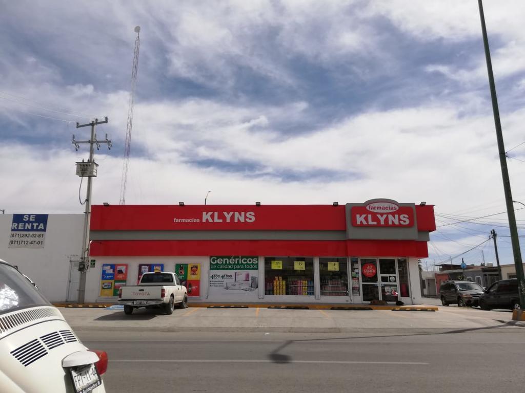 Los hechos se registraron cerca de las 19:30 horas en el establecer comercial denominado Klyns, ubicado sobre la calzada División del Norte, entre las calles Imbabura y Loja. (EL SIGLO DE TORREÓN)