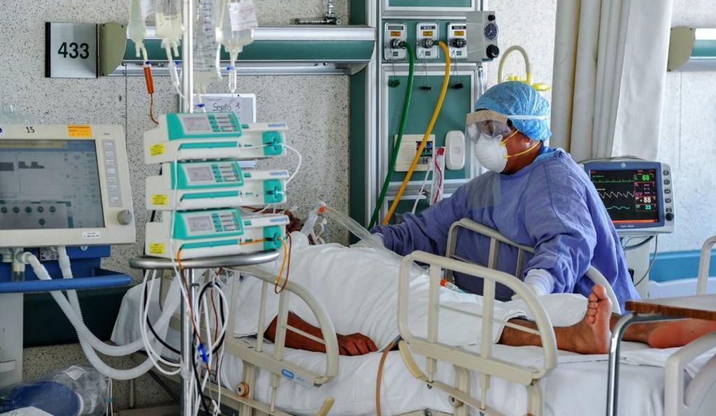 Por su condición crítica de salud, un 10% por ciento de las personas hospitalizadas que son 12 se encuentran utilizando un ventilador como soporte respiratorio. (ARCHIVO)