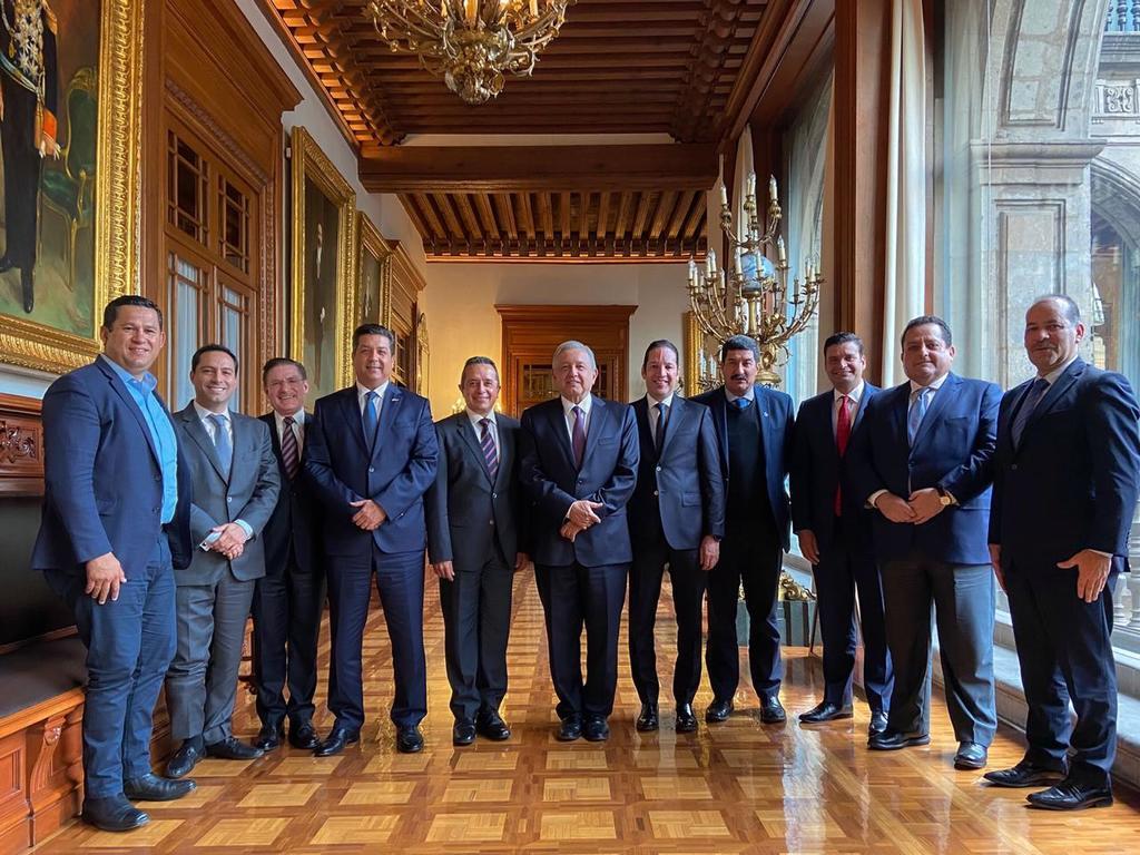 Los integrantes de la Asociación de Gobernadores de Acción Nacional (GOAN) calificó la iniciativa de Morena para quitarle a los Congresos locales participación en los procesos de desafueros de los gobernadores como  un atropello al federalismo . (ARCHIVO)