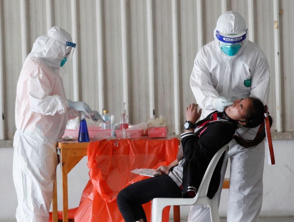 Esta semana se hizo oficial el China que de ahora en adelante a manera de prevención, pedirán como requisito a los extranjeros entregar prueba anal de COVID-19 negativa. (Especial)