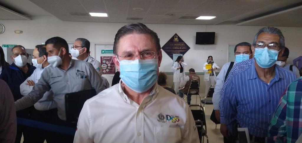 El gobernador destacó que es importante que los duranguenses sepan que la vacuna llegará a todos. (EL SIGLO DE TORREÓN)