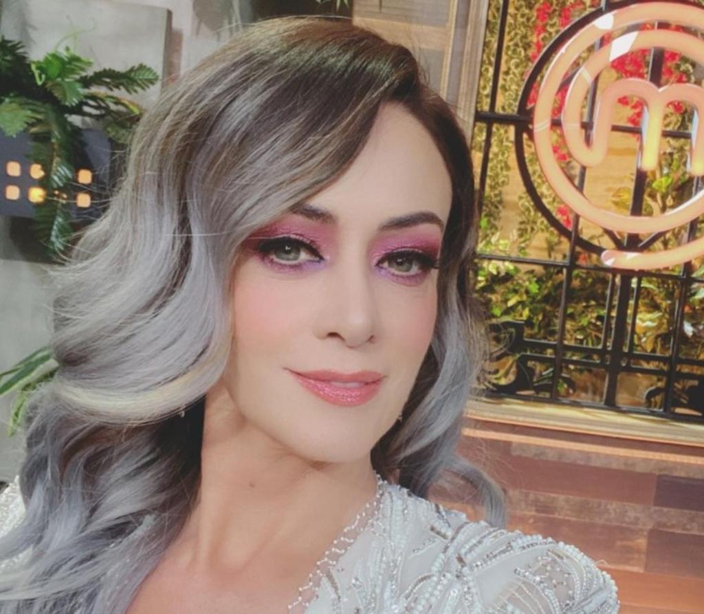 Luego de semanas de especulaciones acerca de la permanencia de Anette Michel en Televisión Azteca, se ha dado a conocer que finalmente la conductora deja la empresa en la que estuvo más de 20 años. (Instagram)