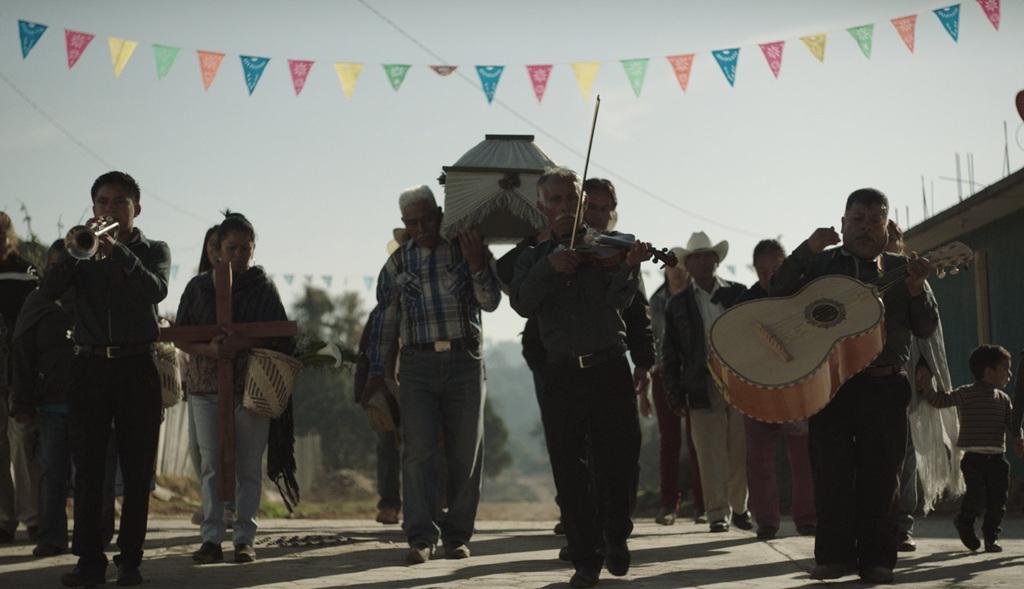 Obra. En Nudo mixteco se entrelazan las historias de tres mujeres dentro de los usos y costumbres de San Mateo, un pueblo surgido en la ficción de Ángeles Cruz.
